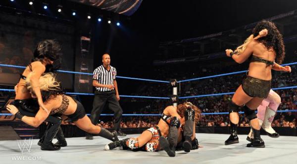 Natalya, Aj  Kaitlyn Vs Alicia Fox, Tamina  Rosa Mendes -2110