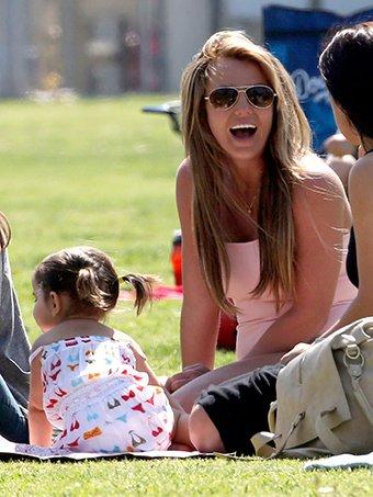 Britney et ses petits trésors.
