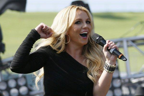 De retour en blonde Britney assure.