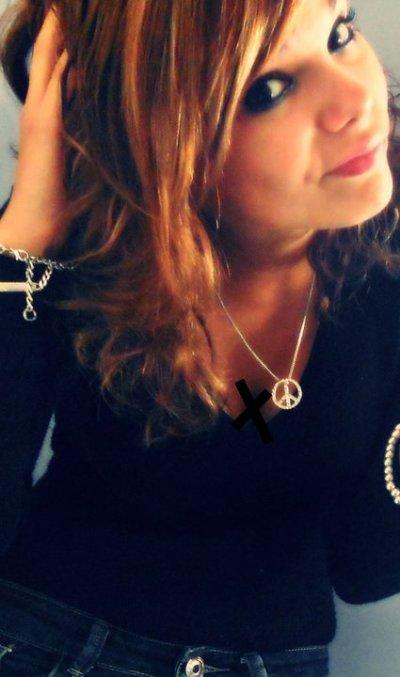 #_ EMELYINE, COMME UNE SOEUR ƋLORS LUI FƋIS MEME PƋS DU MƋL ;) ބ