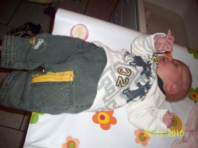 mon bebe a 1moi et 10jour