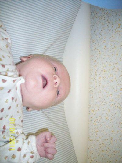 mon bebe a 1moi et 13jour