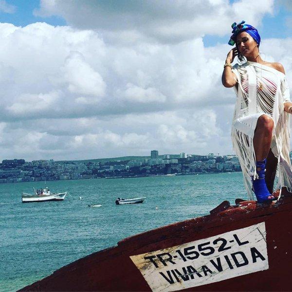 VIVA LA VIDA BY CHERAZE feat CRISCAB , KEBLACK