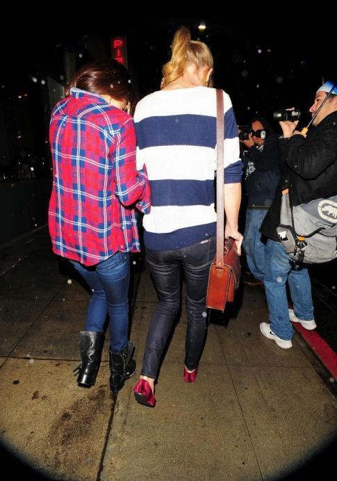 29/12/12 : Taylor Swift : Avec Selena Gomez, elles ne parlent que de garçons