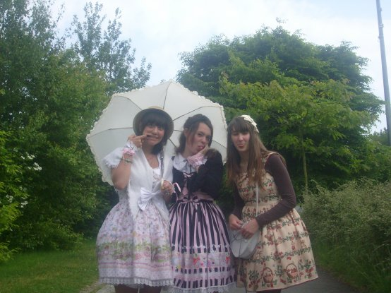 With my friends, Lusty-chou & Wakaba !