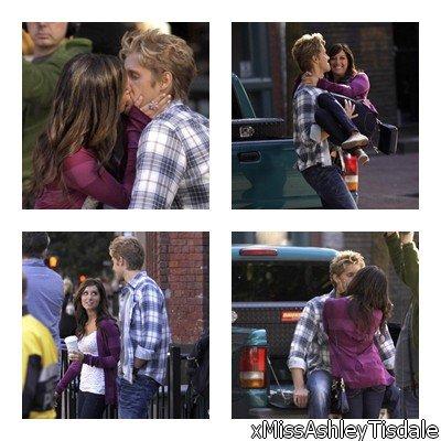 13 Septembre : Ashley et Matt ont été vus sur une scéne d'Hellcats tournant une scène de baiser. Ils étaient à fond dans leur role ! Pauvre Scott ...
