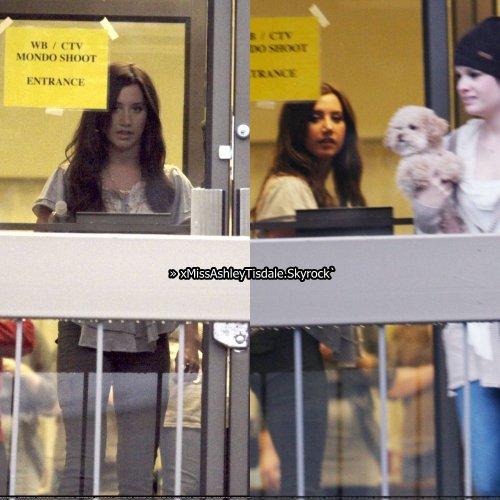 """6 février ; Ashley quitte la """"WB Network"""" aprés un photoshoot à Vancouver"""