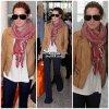 14 Avril 2011 ◇ Ashley Tisdale à était aperçue en compagnie de sa mère Lisa arrivant à Toronto (Canada).