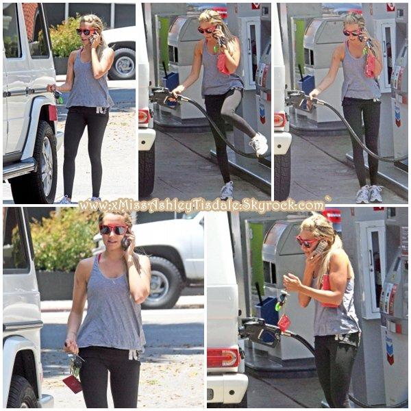 15 Juillet 2011 ◇ Ashley allait à la salle de gym Equinox à West Hollywood.