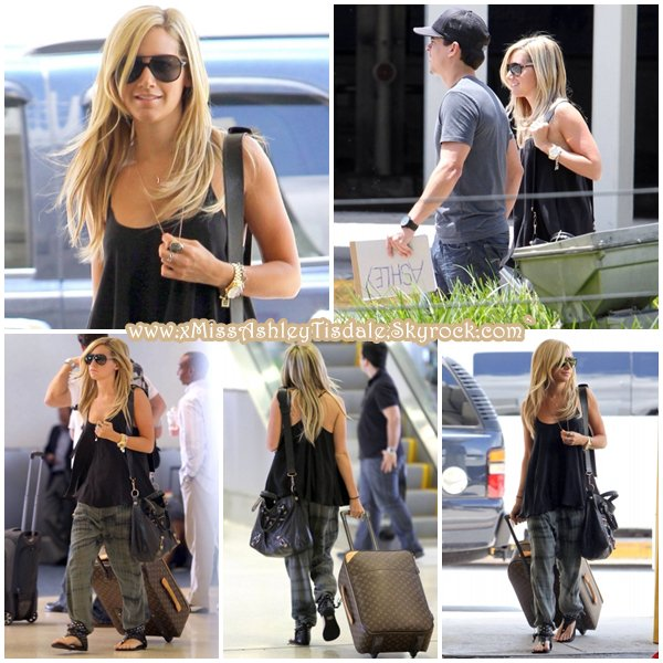 29 Juillet 2011 ◇ Ashley arrive à l'aéroport de Miami pour retrouver son boyfriend Scott.