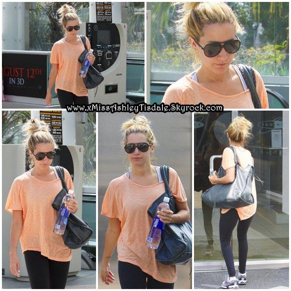 8 Août 2011 ◇ Ashley s'est rendue comme à son habitude à la salle de sport « Equinox » dans West Hollywood.
