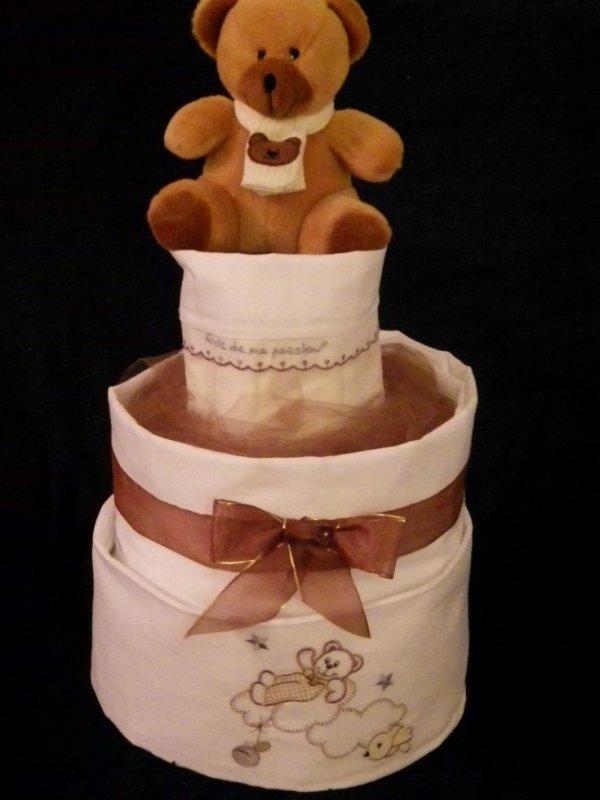 gâteau de couches 3 étages nounours