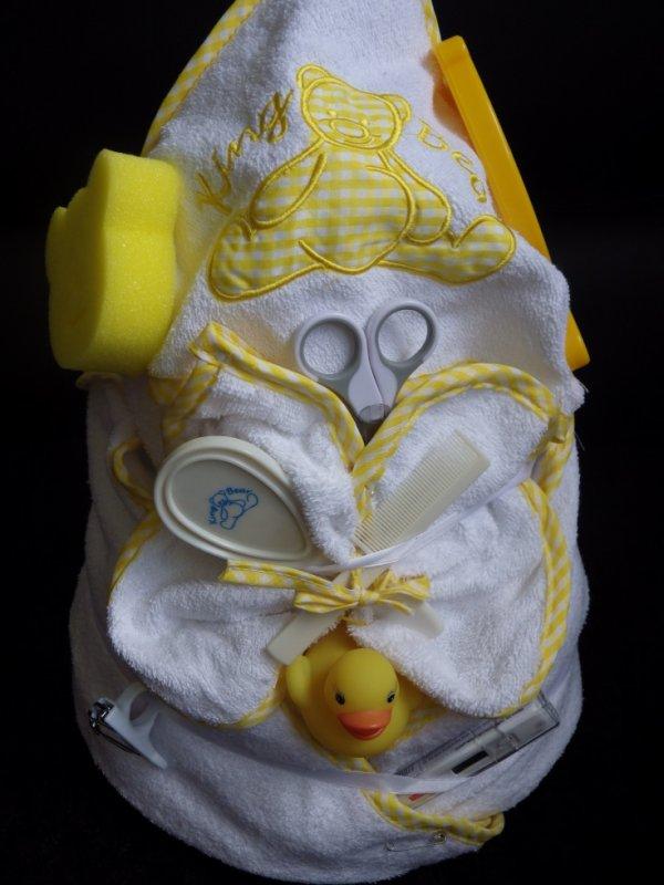 gâteau 3 étages  bain jaune
