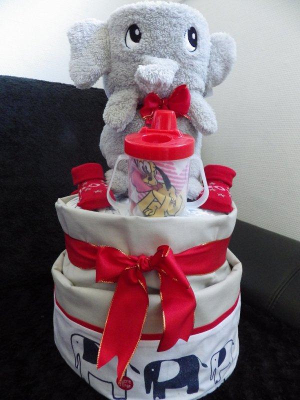 gâteau de couche 2 étages éléphant
