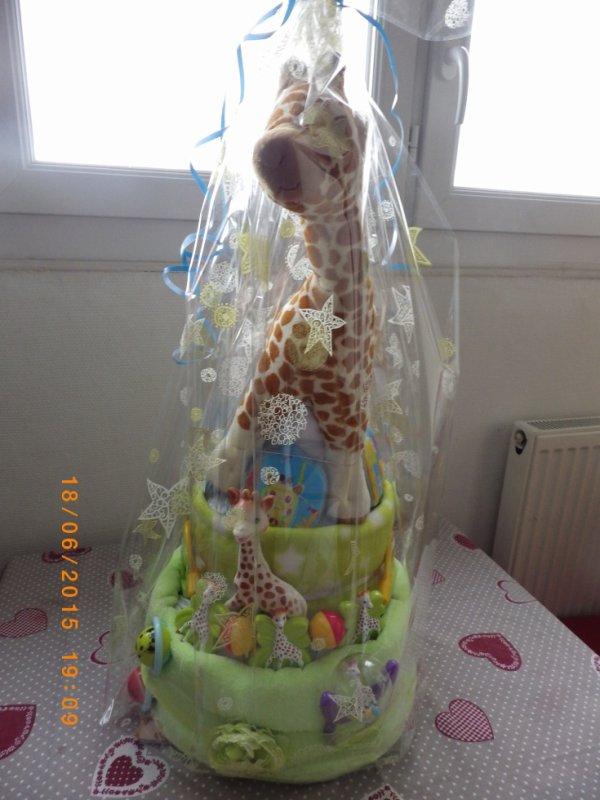 une commande pour un petit garçon . sophie la girafe .