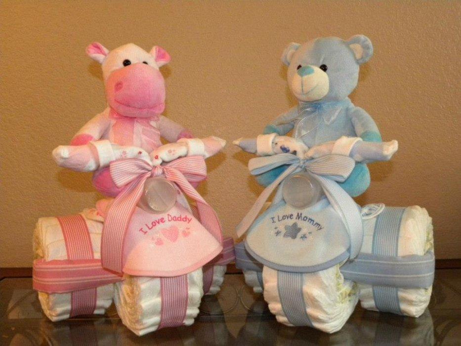 .      le gâteau de couches , un cadeau de naissance original.... venez visiter  aussi mon site: pour un cadeau  original .pour les plus grand  http://lescreadekimy.skyrock.com/