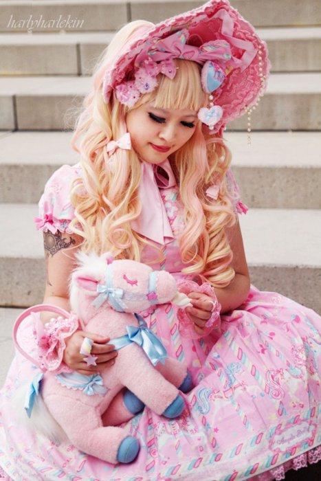 Lolita 2 : Poupées de bleu, rose et blanc, les couleurs de leur c½ur d'enfant