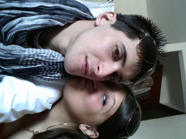 Ma soeur et moi je vous aimes mes bébé ;-)