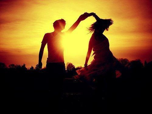 L'ami vrai ce n'est pas celui qui regarde avec peine tes souffrances, c'est celui qui regarde sans envie ton bohneur!