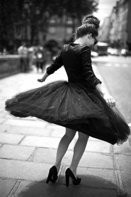 La personne qui essaie de garder tout le monde heureux fini souvent par se sentir la plus seule.