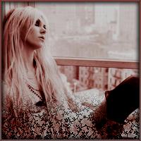 O  MON ANGE NOIR  ✘ Je t'ai aimée tu sais. Mais aujourd'hui je me fiche que tu m'aimes. Je m'en fiche, je te l'ai déjà dit. Tu n'es plus rien pour moi, tu n'es qu'un jouet, qu'une figure de plus à ma collection. Je te ferais vivre un enfer Elya    • • •