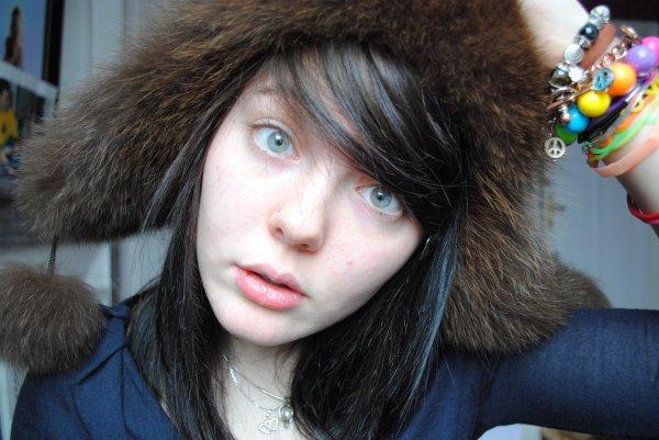 C'est l'hiver, il fait froid, on se met la chapka !
