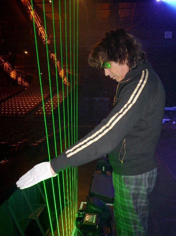 << 2010 >>