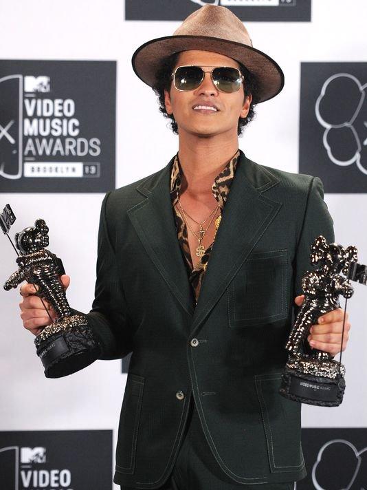 """Bruno Mars avec """"Treasure"""" remporte le MTV VMA de la meilleure chorégraphie"""