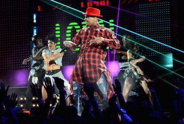 Performance de Chris au BET Awards + résultats