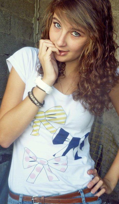 Et moi, je suis tombée en esclavage de ce sourire, de ce visage... :$ ♥