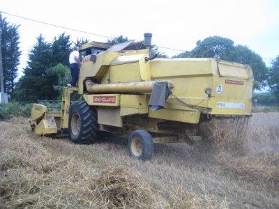Moisson 2010 avec clayson8080 ford7840 et chevance 15 T