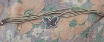 Collier ras du cou: papillon avec pierres et strass