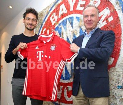 Mats Hummels a signé son contrat avec le Bayern