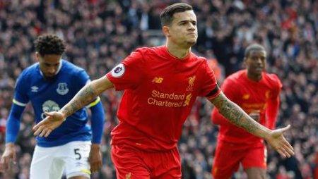 La Premier League fermera son mercato avant le début de la saison