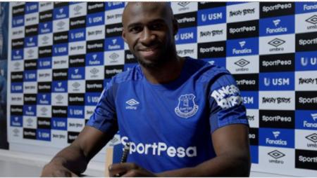 Mangala file en prêt à Everton