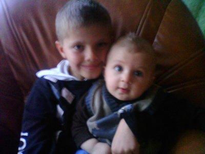 Mes 2 ptis frères