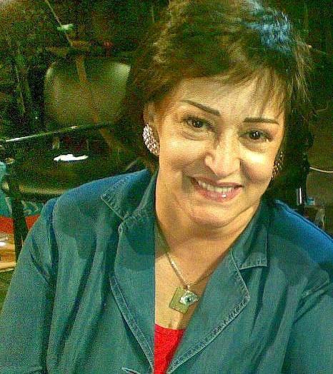 نحن والشعب الجزائري يا سيدة وردة نحبك