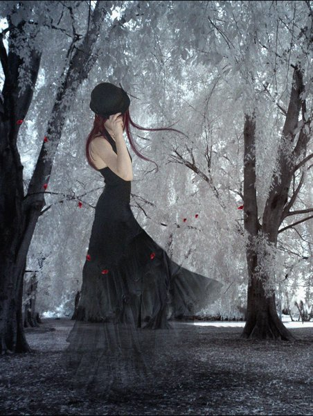 Lorsque tu te sens seul ; regarde Juste les espaces entre tes doigts et souviens-toi , que Les miens s'y glisserais Bien  ◡‿◡✿