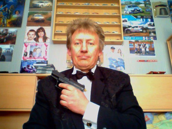 "Pistoler Walter P99 ""Bond, James Bond""."