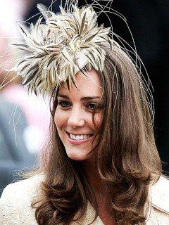 Kate Mindleton en chapeau