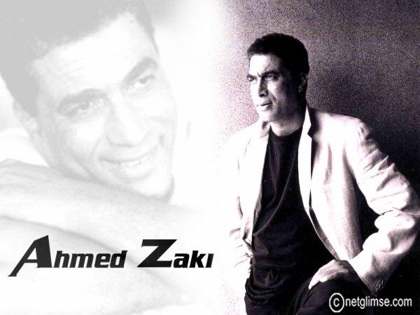 Je suis un fan de l'acteur égyptien Ahmed Zaki et me dit que beaucoup de gens que je compare un lot