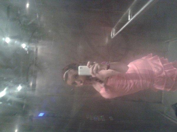 moi dans l ascenseur