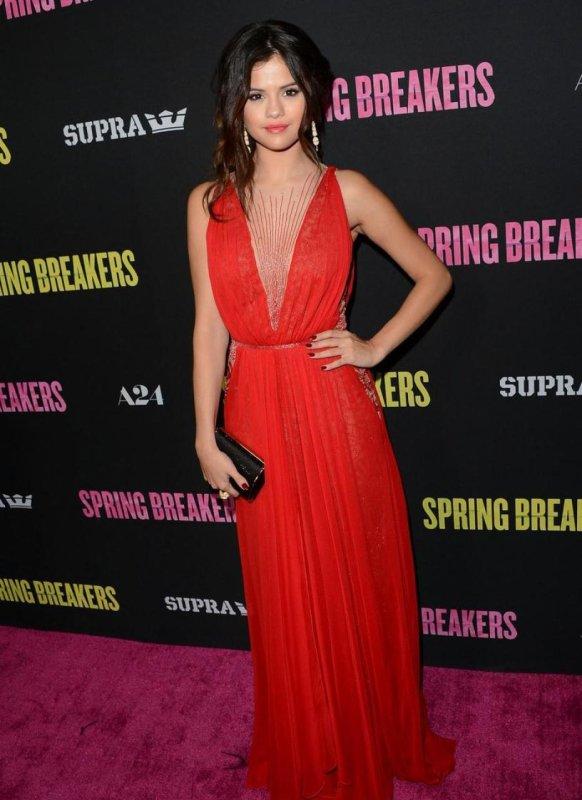Selena Gomez et Taylor Swift, les stars les mieux habillées !