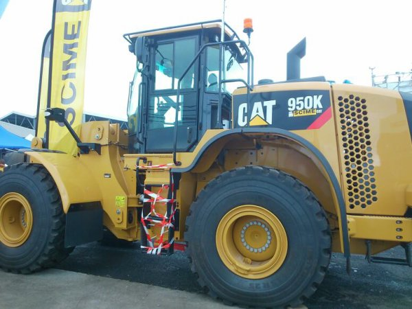 Cat, jcb et lindner