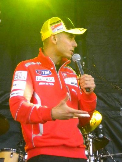 hayden a la rencontre des pilote le mans 2011 avec rossi