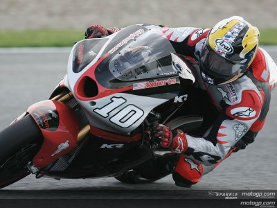 Kenny Roberts Juinior  team kr211V N°10
