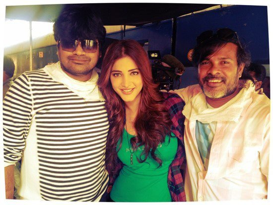The ever so gorgeous shruthi with Harish Garu (left,Gabbar singh director) and Chota K Naidu :)
