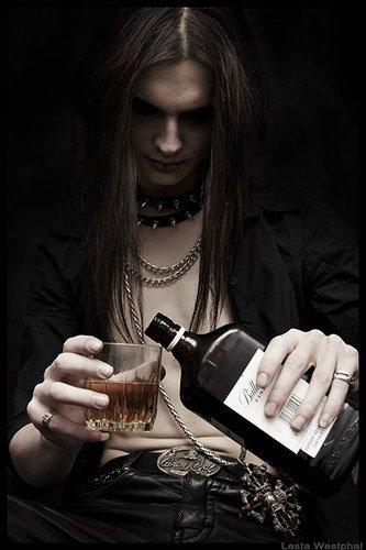 Dieu n'avait fait que l'eau, mais l'homme a fait le whisky........