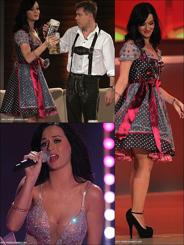 . 02/10/2010 Candids  Apparence dans l'émission Wetten Dass... ? à Munich en Allemagne!   .