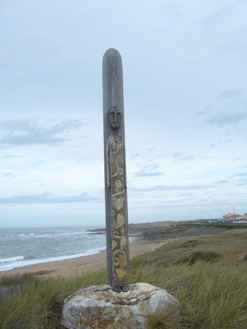 la côte de vendée avec son totem